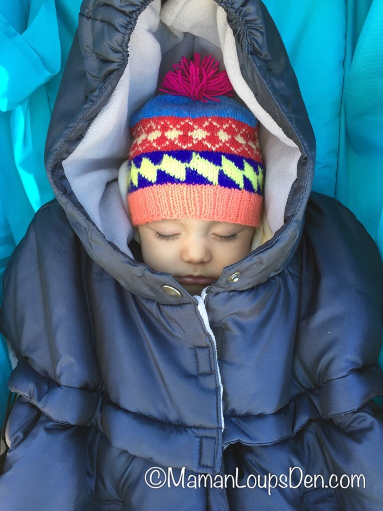 7 AM ENFANT Pookie Poncho Review ~ Carrier Cover, Car Seat Cover and Stroller Cover in ONE! ~ Maman Loup's Den