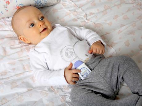 Snuza-Hero-Baby-With-Hero-460x345