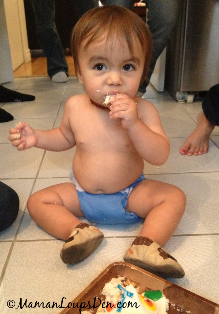 10 Fun Things To Do With Cloth Diapers - Smash a Cake